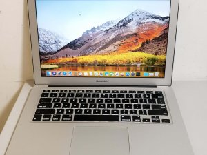 二手 MACBOOK Air 2013  i5 4G 128G 13″ 90% new 7 日保用 (已售出)