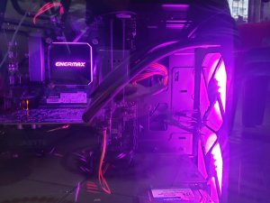 二手電競組合 i5-9400F+16GB Ram+GTX1660Ti 500GB SSD +1T 正版WIN10 連安裝碟 (已售出)