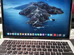 二手 Macbook air Retian 13″ 2018 i5 8g 128G 銀色 充電:6次 保到20年8月8日 (已售出)