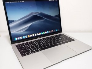 MacBook Air 2019 Ratina 13吋 i5 8G 128 95% new 保到2020年9月 充電 25次(已售出)