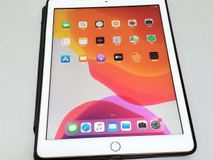 iPad 6 Generation 128gb WiFi rose gold 95% new 3days warranty(已售出)