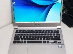 SAMSUNG NOTEBOOK 9 i5 8GB RAM 256GB SSD 13.3FHD 0.84kg 激輕薄 保用3日 90% new 有盒(已售出)