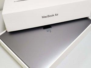 MacBook Air 2018 13″ i5 8G Ram 256G SSD Retina 有盒,充電17次 太空灰(已售出)