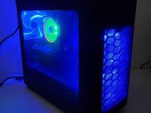 電腦組合 Ryzen 7 2700x / 獨顯 MsiGTX 1050Ti-4G / 8G RAM / 1TB HDD / 正版 Win10 今年1月買有盒有單(已售出)