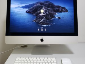 Imac 2017 4K Mon (i5/8G/1000G HDD/獨顯Radeon Pro 555 2gb) Apple keyboard , Mouse(已售出)