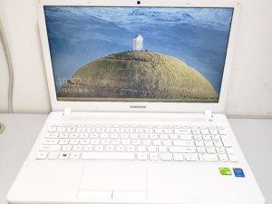 Samsung 15.6″ laptop i5-5200 /4G, 8G Ram /1000G,240G SSD/ 獨顯 極新淨(已售出)