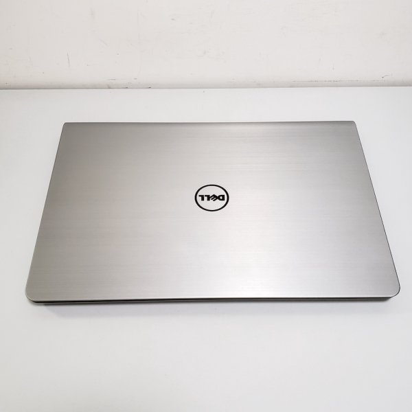 "Dell P39F 15.6"" Intel Core I7 Laptop Touch mon FHD 8GB 120G SSD AMD R7 M260"