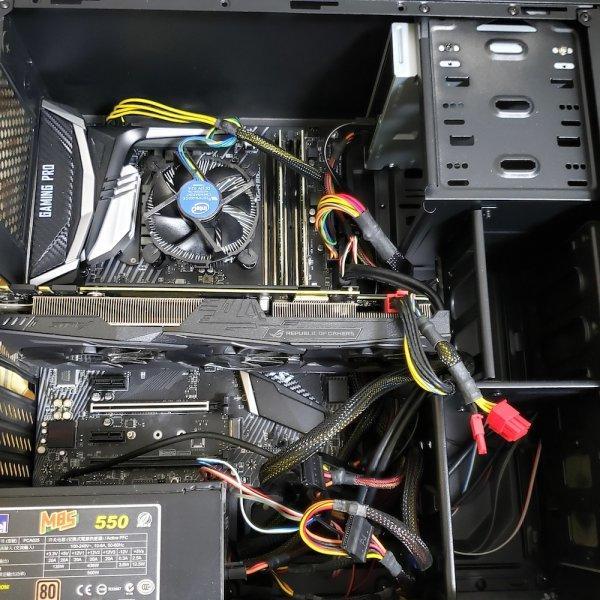 i7-8700K 電競電腦主機,16GB DDR4 記憶體,512G M.2 SSD,GTX 1070 8G