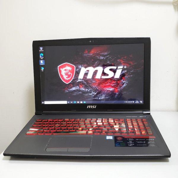 電競筆電MSI GV62 7RD